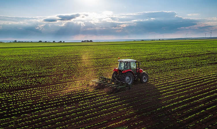 What You Should Know About Tractor and Farm Equipment Insurance